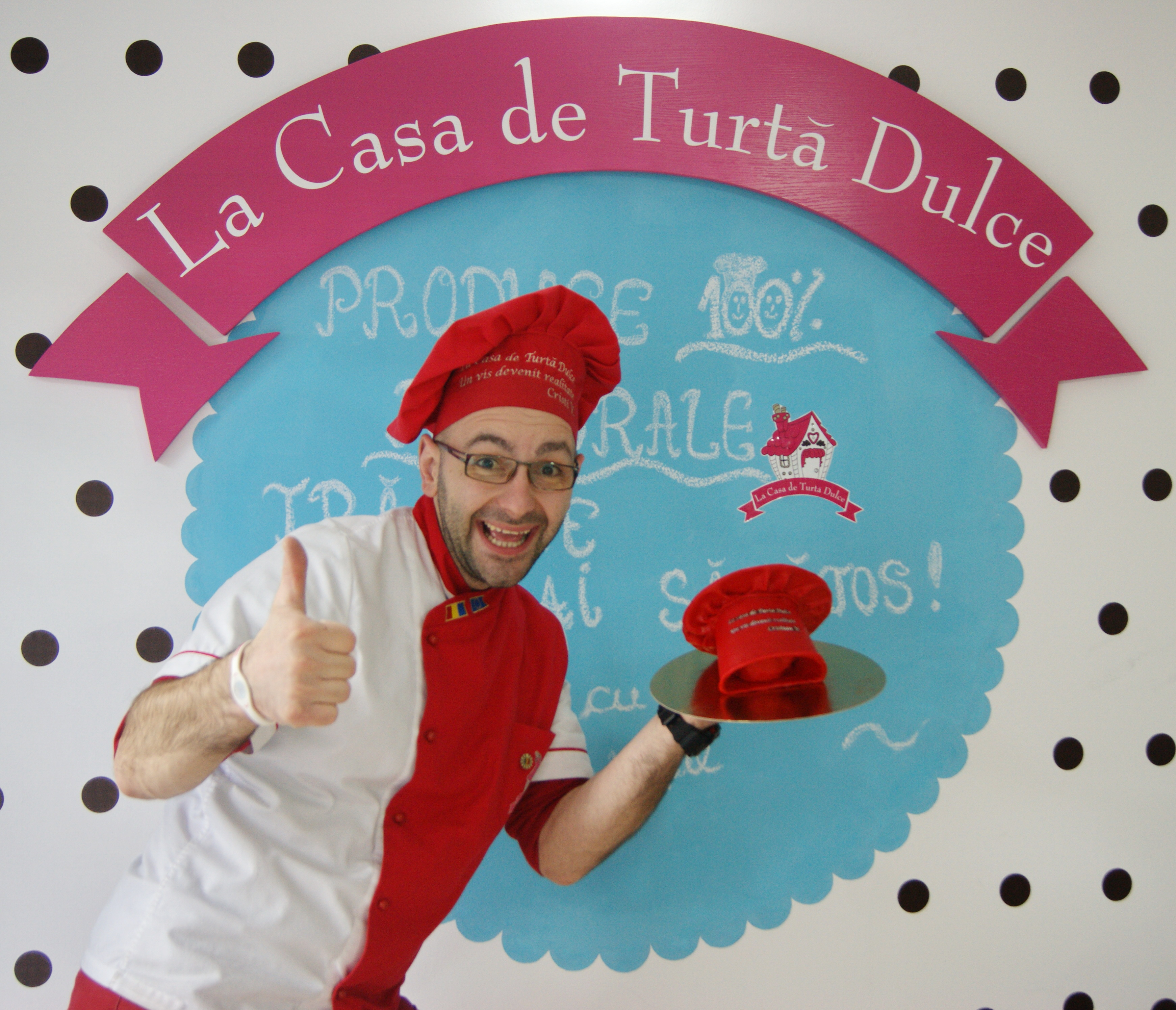 Cadou-tort-bascuta-rosie