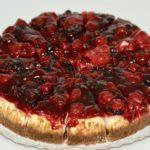Tort de Brâânză cu Jeleu de Fructe de Pădure (din englezescul Wild Berry Cheesecake)