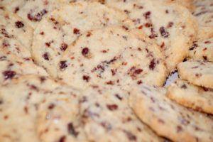 un Biscuite SIMPATIC cu Portocale și Merișoare