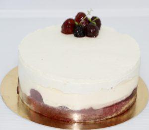 blat de Vanilie, Jeleu de Zmeură sau Căpșuni, Șarlotă de Vanilie și Cremă pe bază de Frișcă